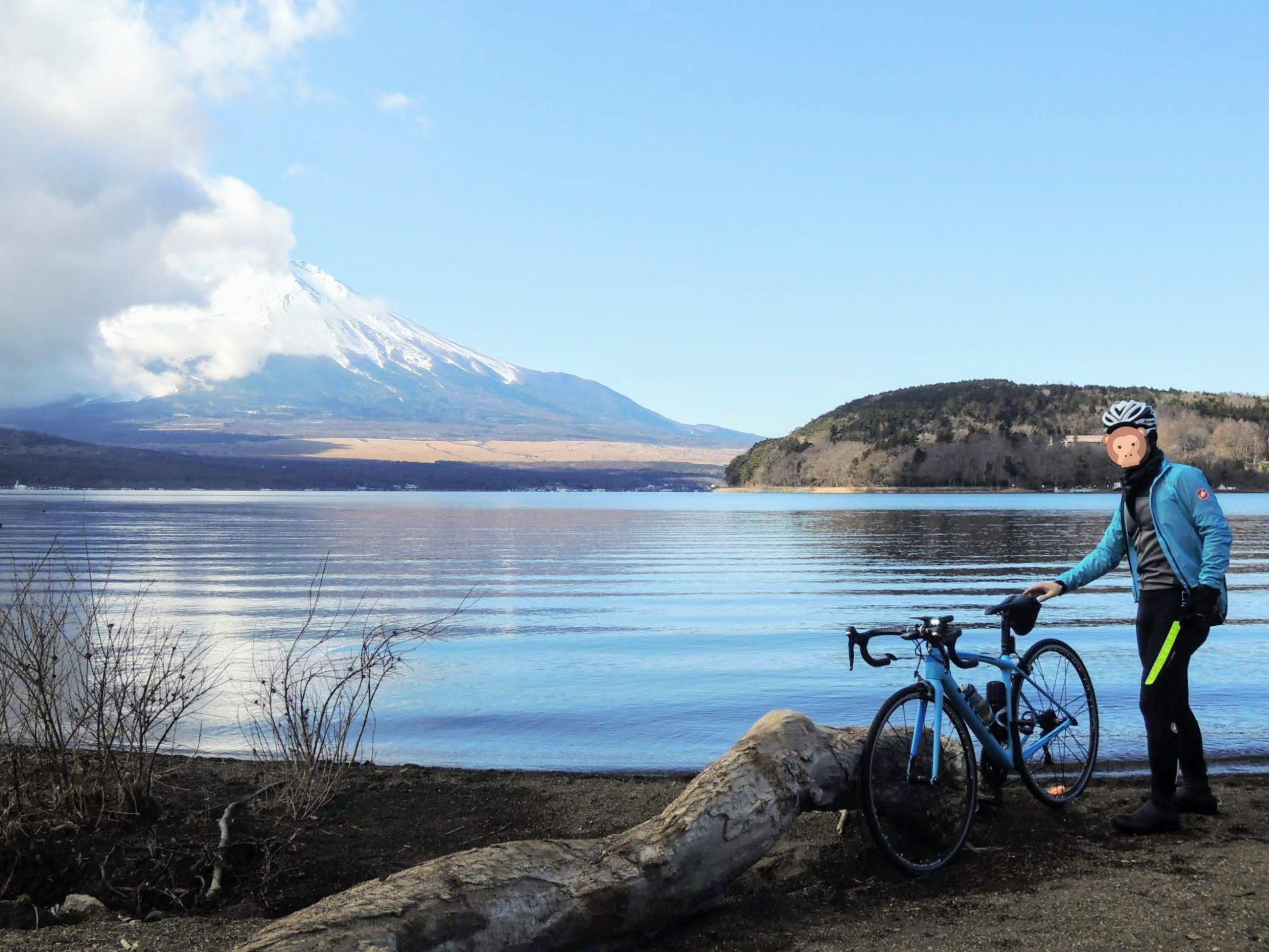 山中湖畔と富士山-2