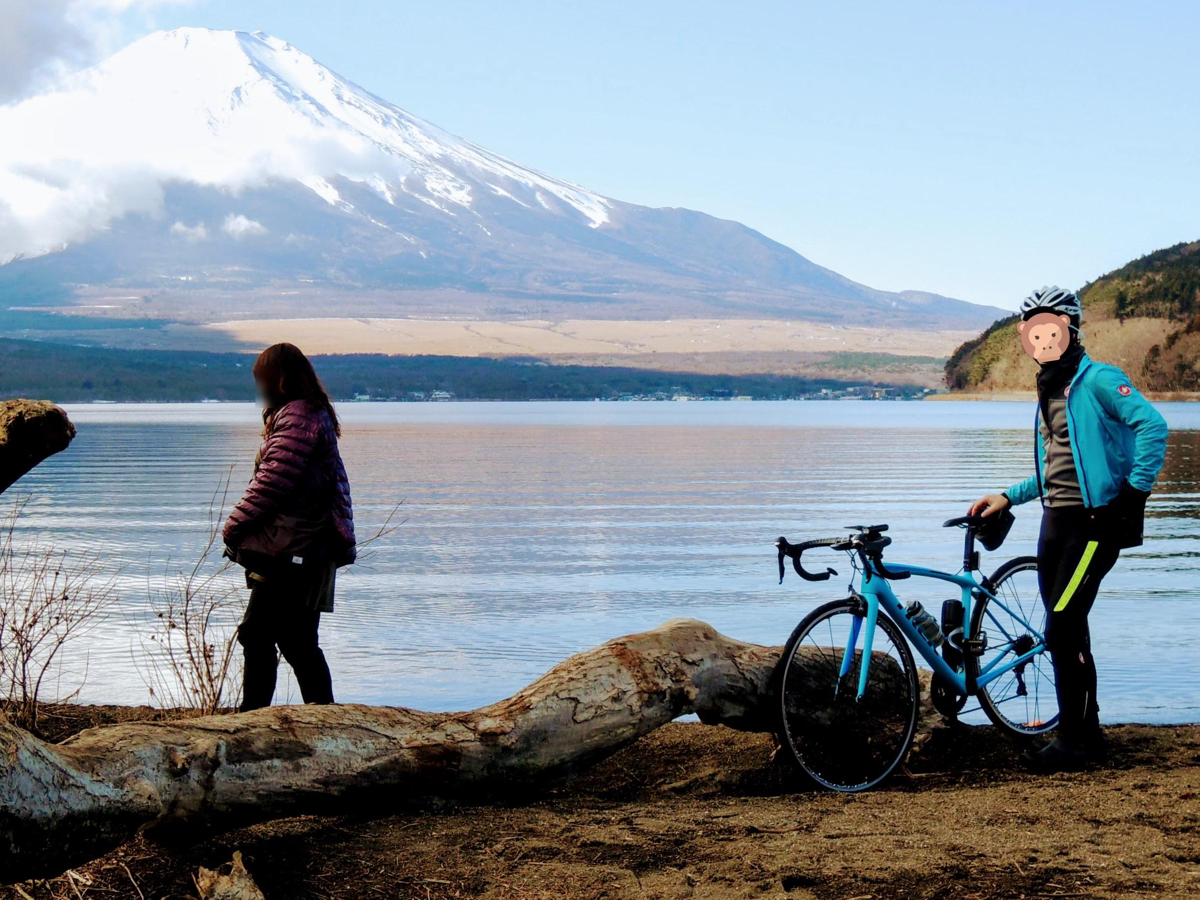 山中湖畔と富士山-3