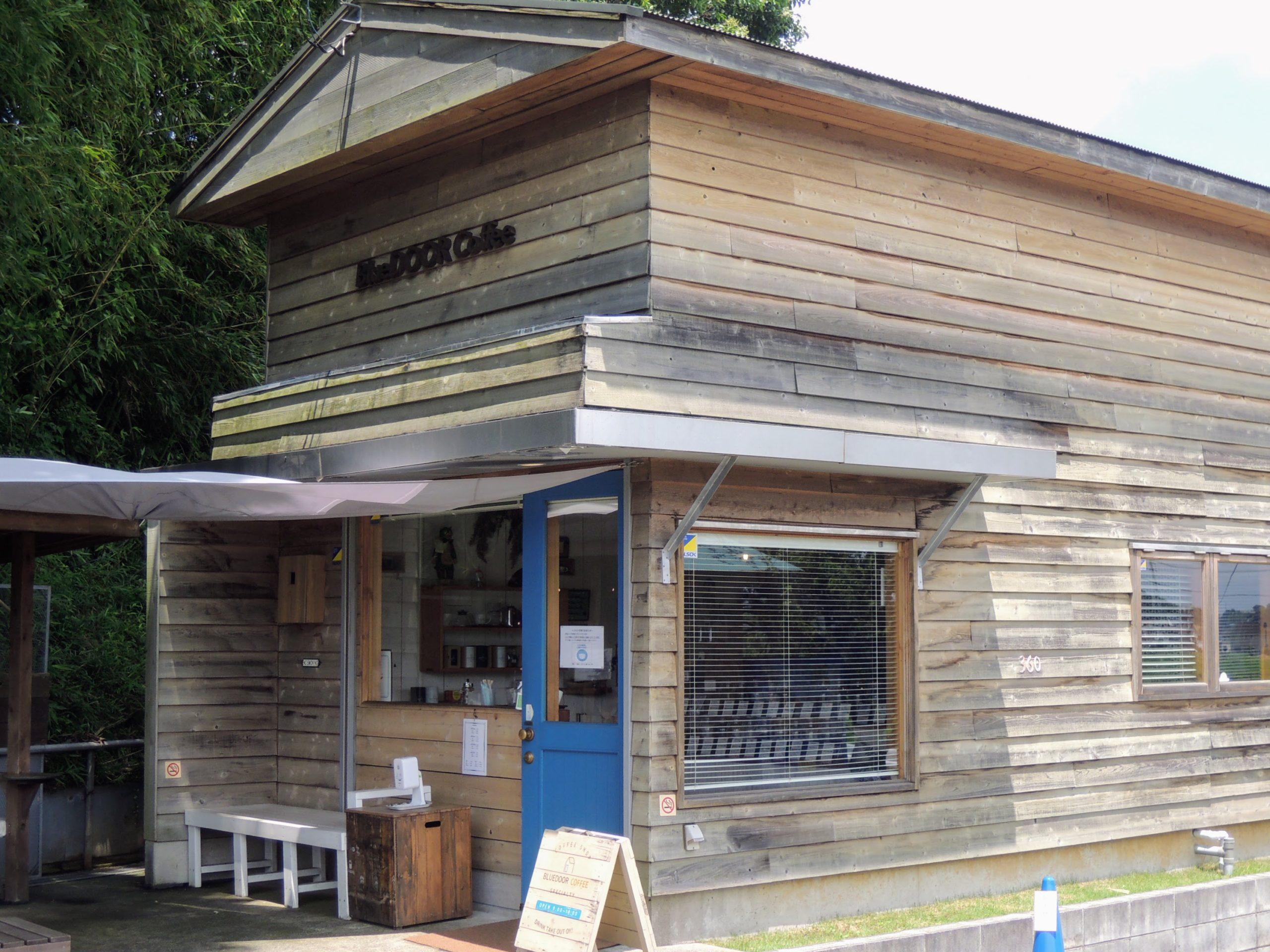 BlueDOOR Coffeeの店舗外観