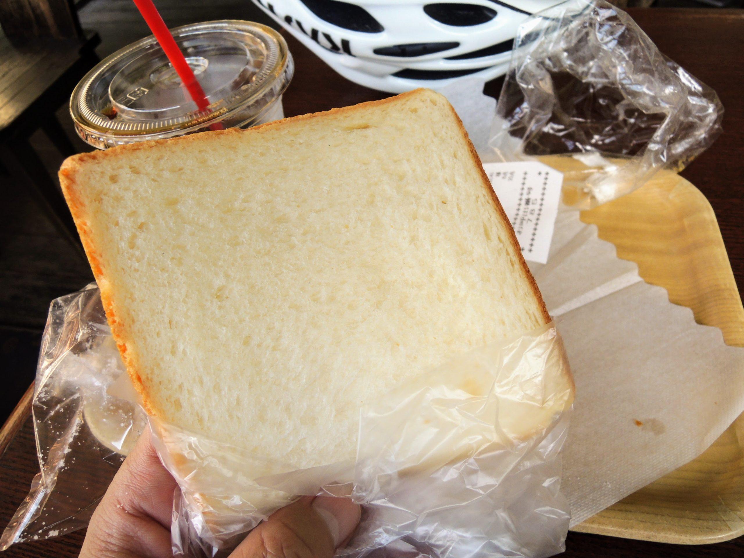 試食でもらった食パン