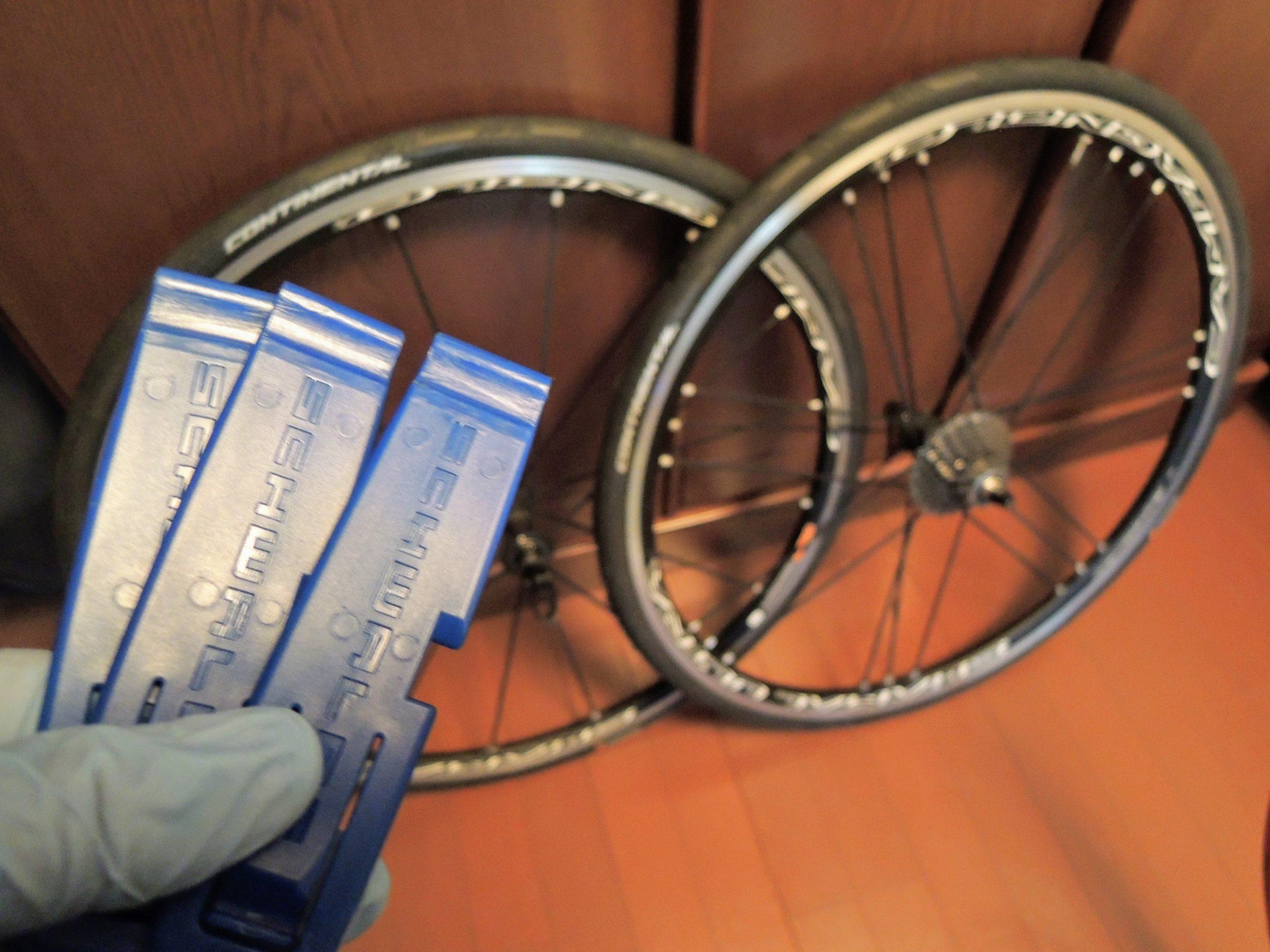 ロードバイクのタイヤ交換の切り札、シュワルベ タイヤレバー